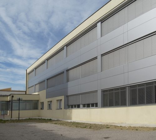 Frangisole installato su edificio